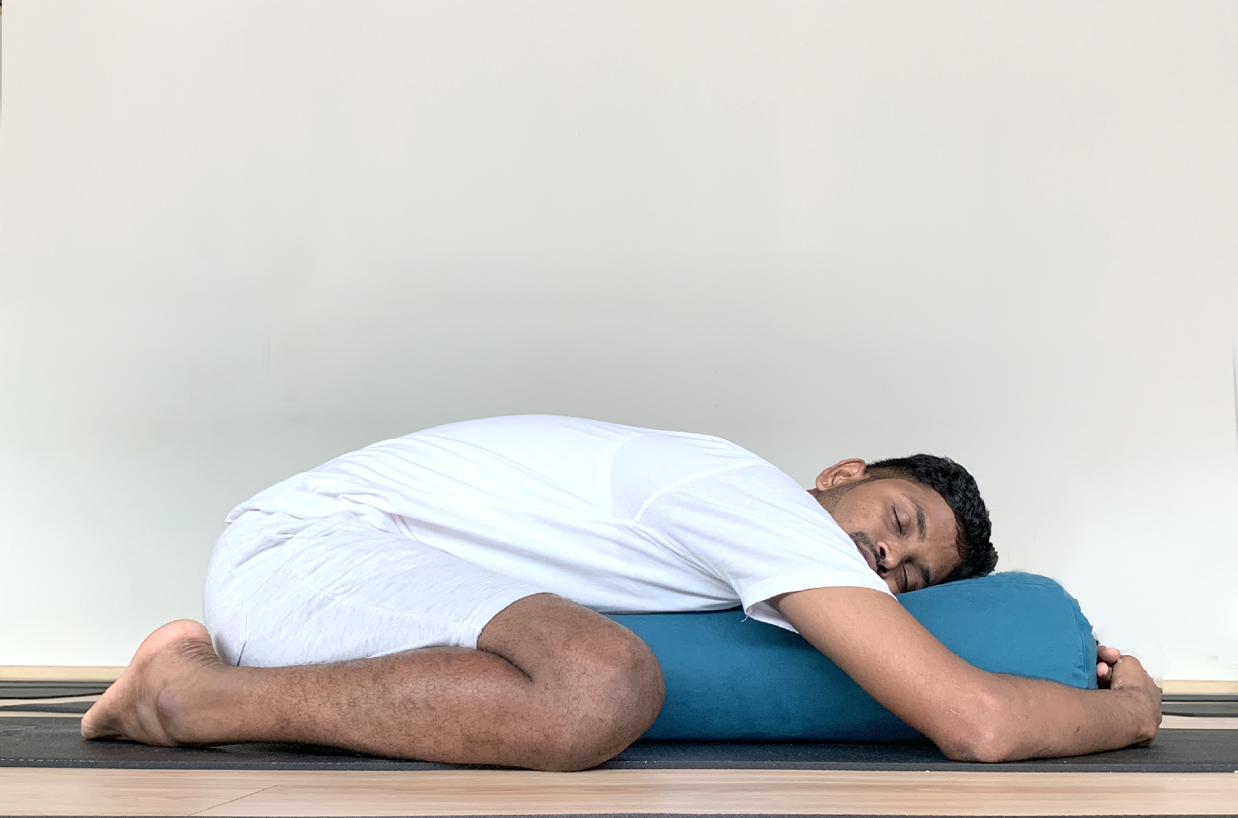 Can't Sleep Try These Poses To Help You Fall Asleep Faster   Jal ...