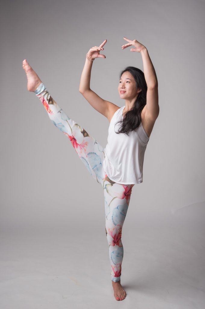 Ballet barre instructor Joanna doing a barre pose | jal yoga