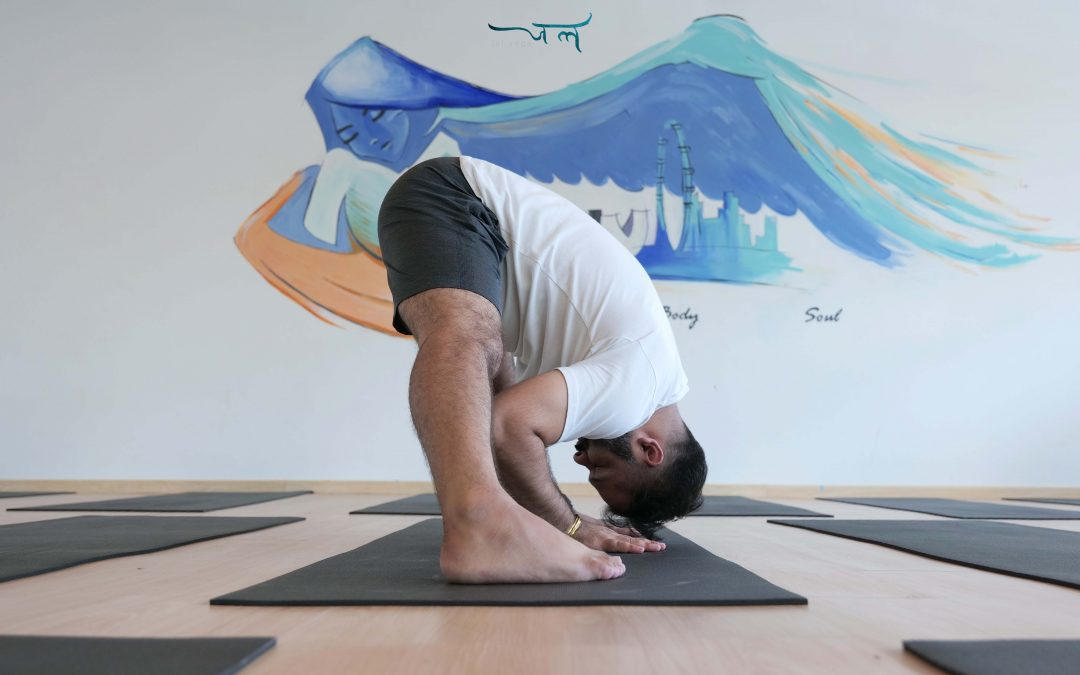 Try These 5 Yoga Poses Before Flight